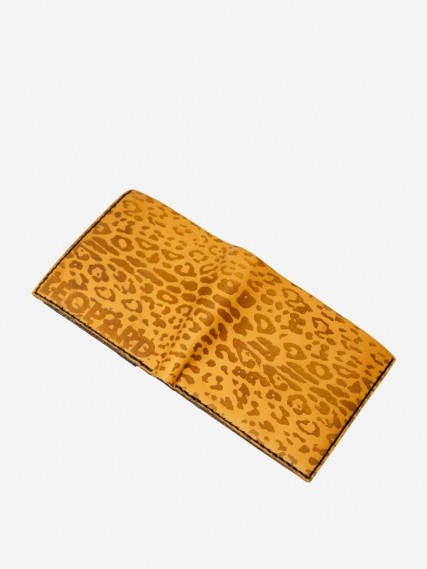 Ozzy-leopard-yellow-wallet-04