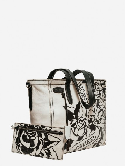 Carlotte-tattoo-white-tote-04