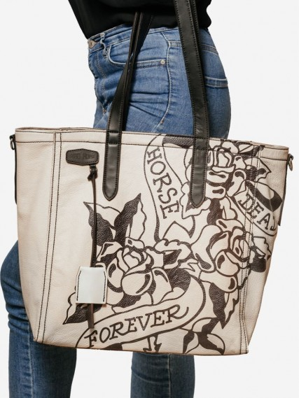 Carlotte-tattoo-white-tote-06