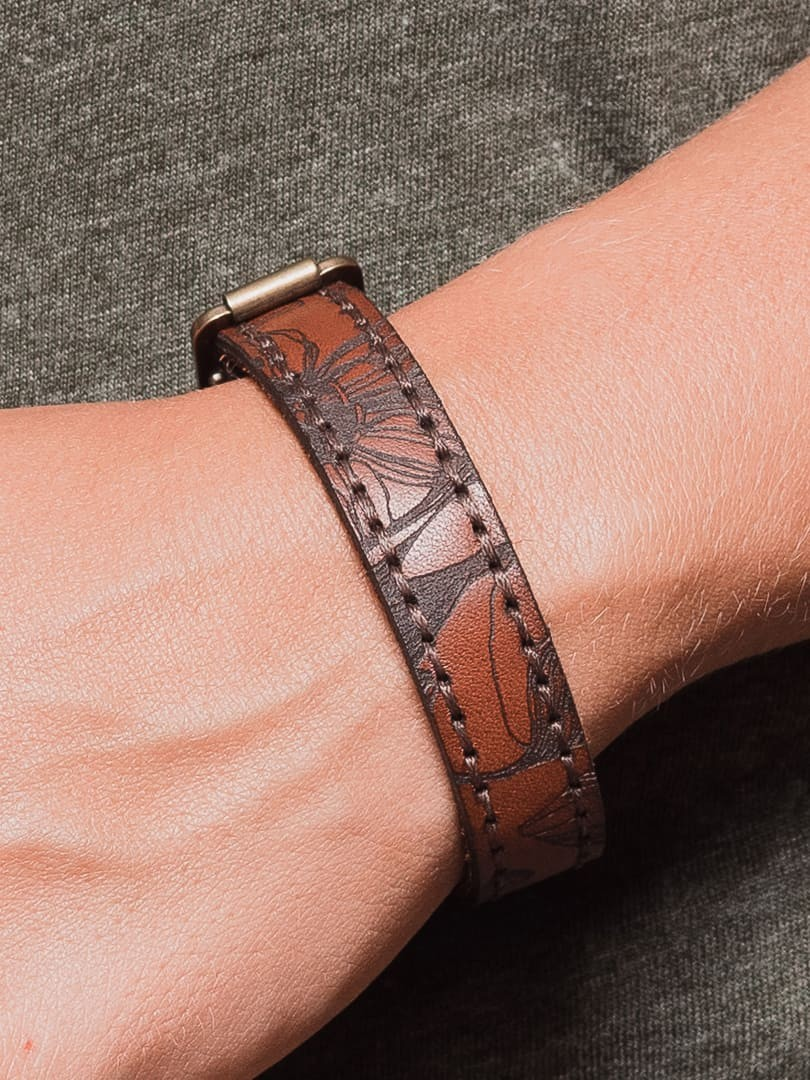 Nata flowers brown Bracelet in natural leather | franko.ua